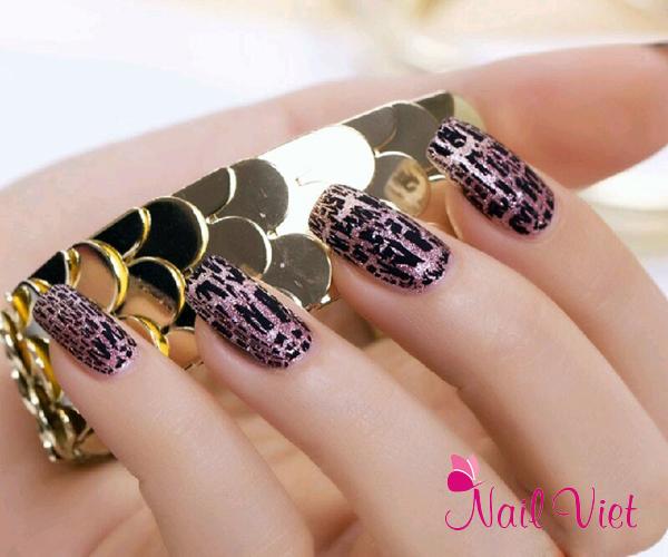 Những bộ móng tay đơn giản mà tinh tế được thực hiện bởi các chuyên gia của Winnie Academy