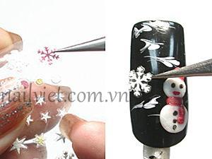 trang trí thêm bằng họa tiết bông tuyết