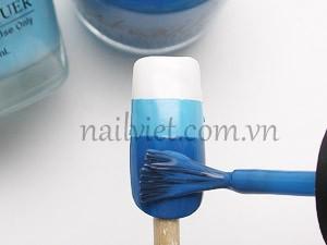 Dùng 2 màu sơn xanh để vẽ từng tầng cho móng