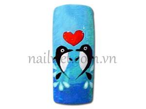 Tác phẩm cá heo được thực hiện bởi các chuyên gia vẽ móng Nail art của Winnie Academy