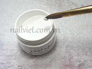 Sử dụng bột trắng để tạo phần móng giả