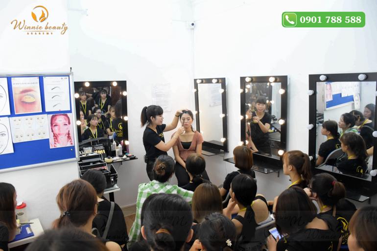 học trang điểm cá nhân, dạy trang điểm cá nhân ở Hà Nội