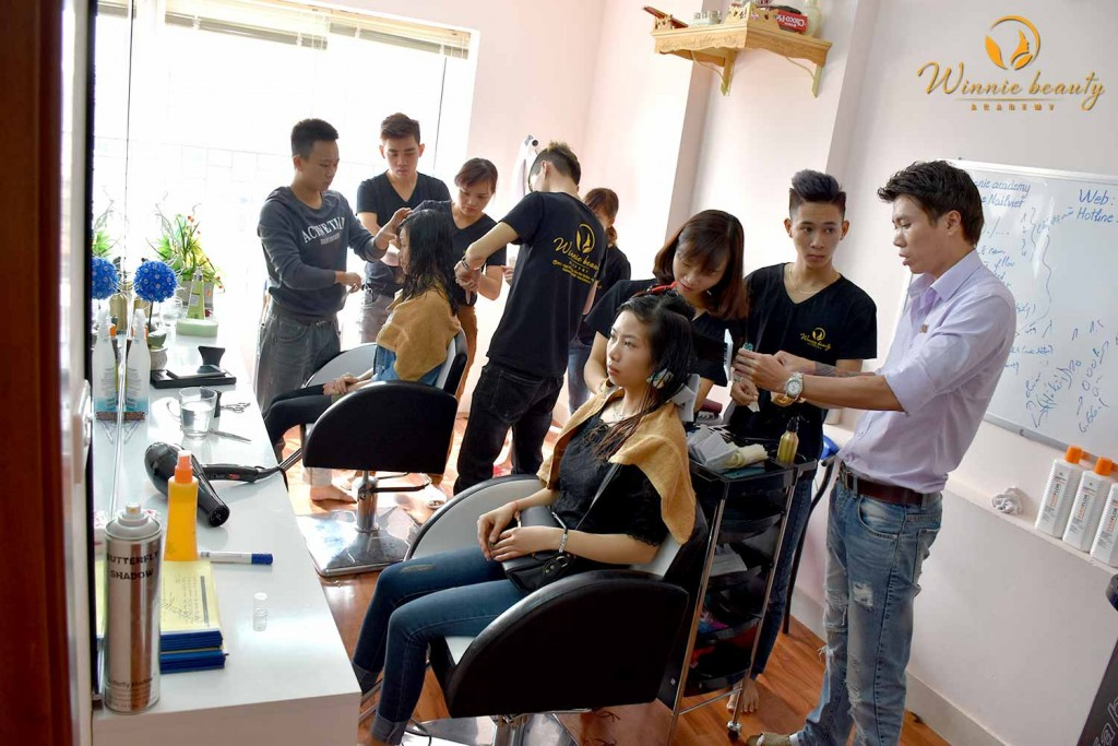 Lớp học tạo mẫu tóc Winnie Academy