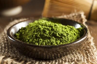 Điều trị mụn bằng bột trà xanh không chỉ là biện pháp cực kỳ tiết kiệm
