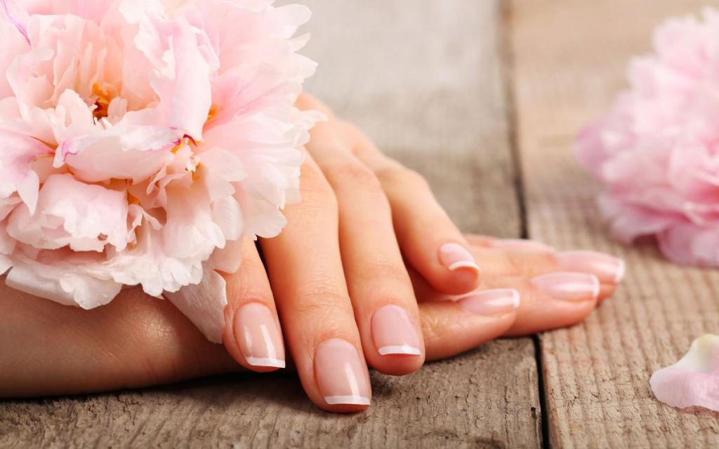 chăm sóc móng tay đẹp và sạch sẽ