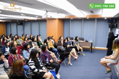 dạy make up cá nhân tại công ti truyền thông VCC