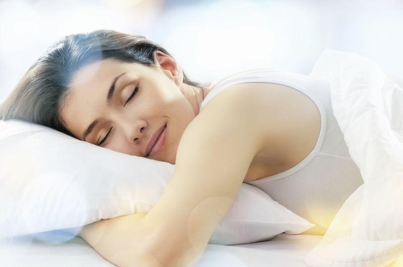 Thói quen khi ngủ cũng ảnh hưởng đến mi nối