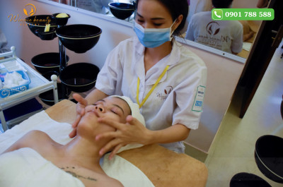 Kết hợp một vài động tác massage khi rửa mặt