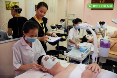 Đắp mặt nạ cho da cung cấp độ ẩm trong mùa đông
