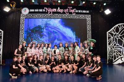 """Ekip makeup Winnie Academy  tại sân khấu hoành tráng  cuộc thi """"Người đẹp xứ Trà"""""""