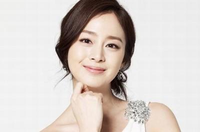 Làn mi mỏng quyến rũ là đặc trưng của phong cách nối mi Hàn Quốc