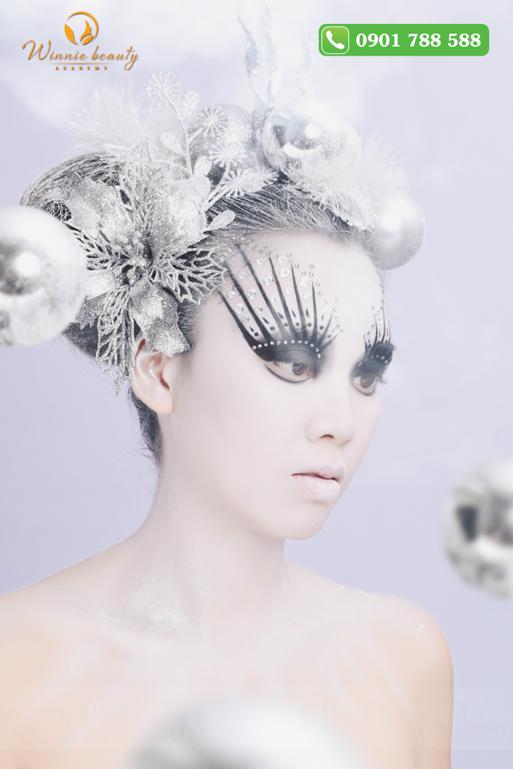 Bà chúa tuyết độc quyền bởi các Phù thủy Makeup tại Winnie Academy