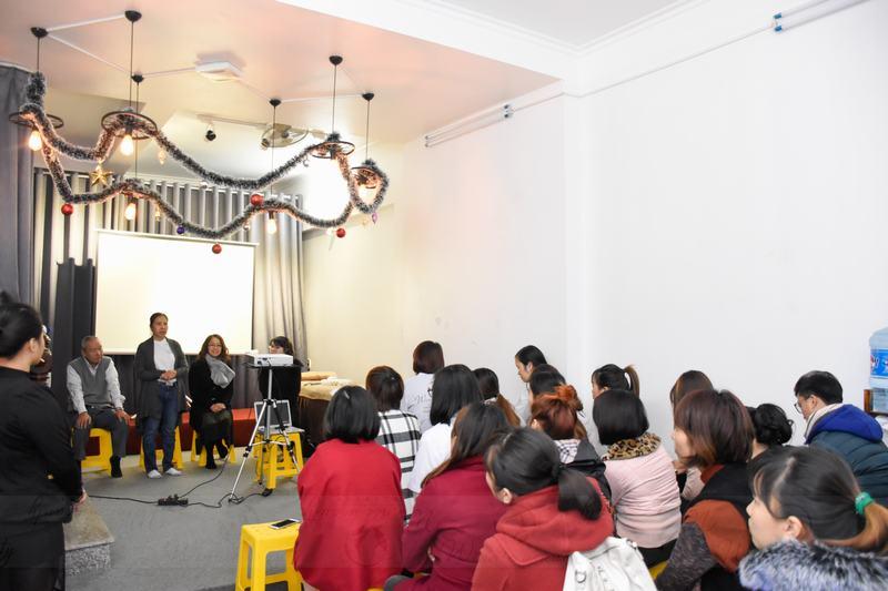 Bà Trương Thị Ngọc Ánh giới thiệu về Massage Shiatshu