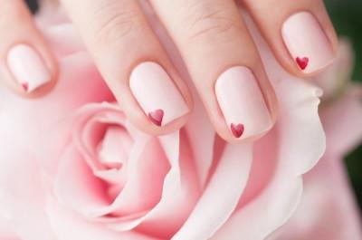 Chọn sơn móng tay theo tuổi để đón lộc cầu may