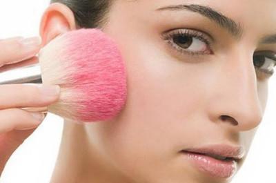 Mỗi màu da sẽ hợp với một tông phấn má hồng khác nhau