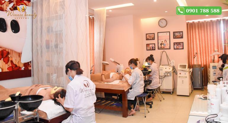 lớp học chăm sóc da spa tại Winnie Beauty Academy