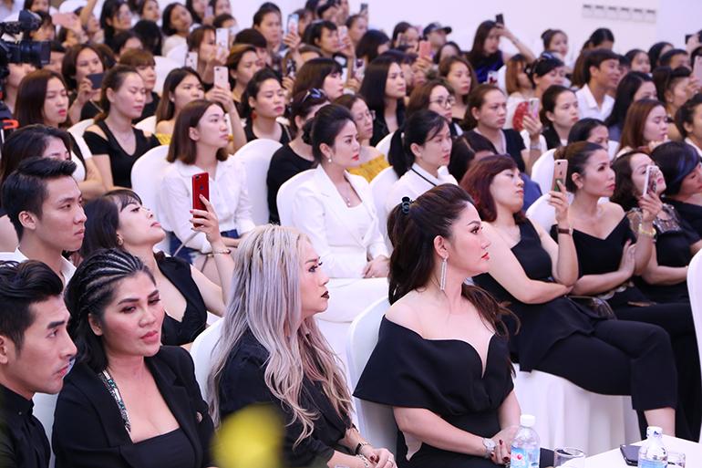 Hội thảo mang đến cho toàn bộ hội viên cơ hội được mở mang kiến thức và trau dồi kỹ năng, kỹ thuật về phun thêu, điêu khắc thẩm mỹ hiện đại, phù hợp xu thế 2018.