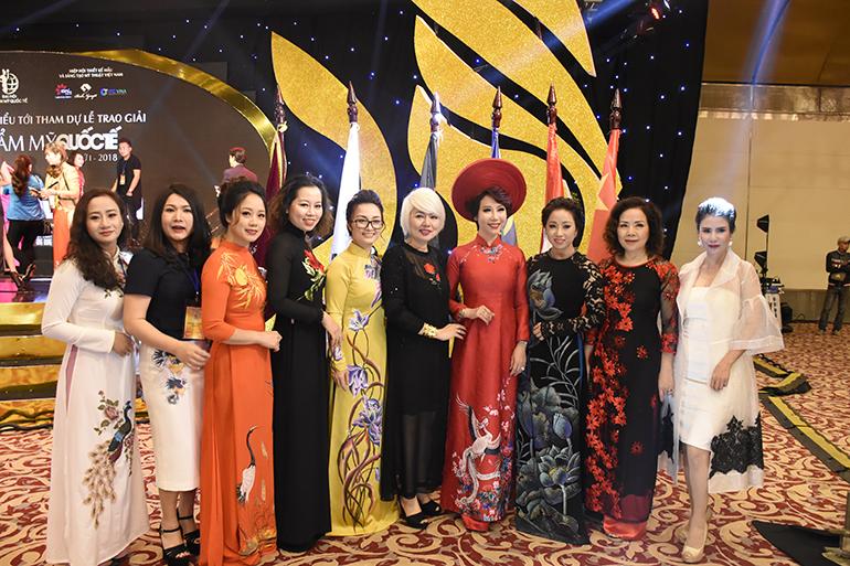 Cô Nguyễn Hải Yến - CEO của Winnie và các chuyên gia khác