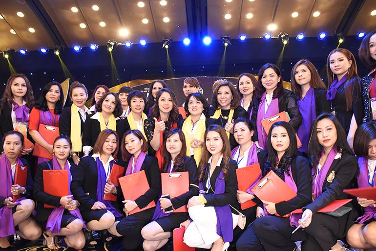 Cô Nguyễn Hải Yến - Tổng trưởng ban giam khảo ban phun thêu thẩm mỹ