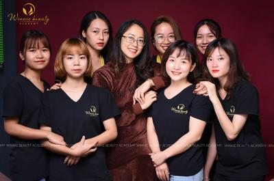 Cô và trò team Makeup Winnie