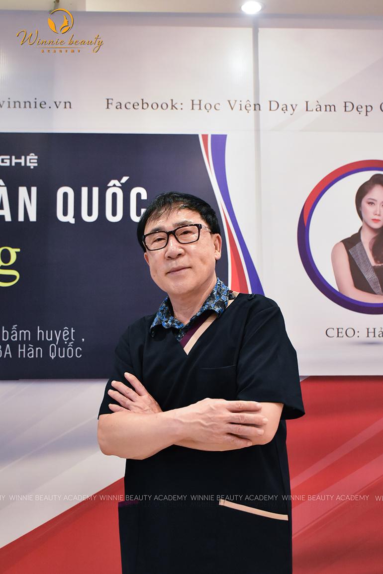 Chuyên gia Hàn Quốc - Bác Sĩ Đông Y Kim Y Soo