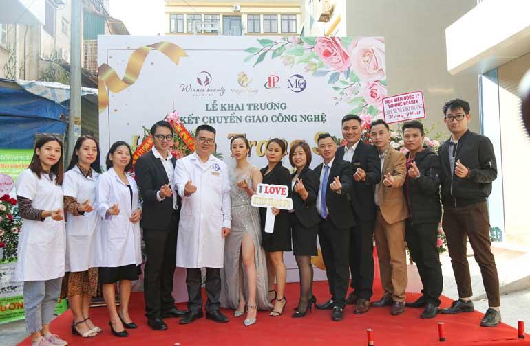 đội ngũ y bác sĩ chuyên gia của Winnie đã có mặt tại Huyền Trang Spa